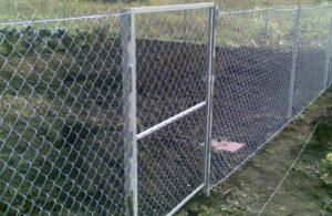 Забор из сетки-рабицы с протяжкой фото