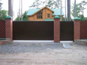Откатные ворота для частного дома